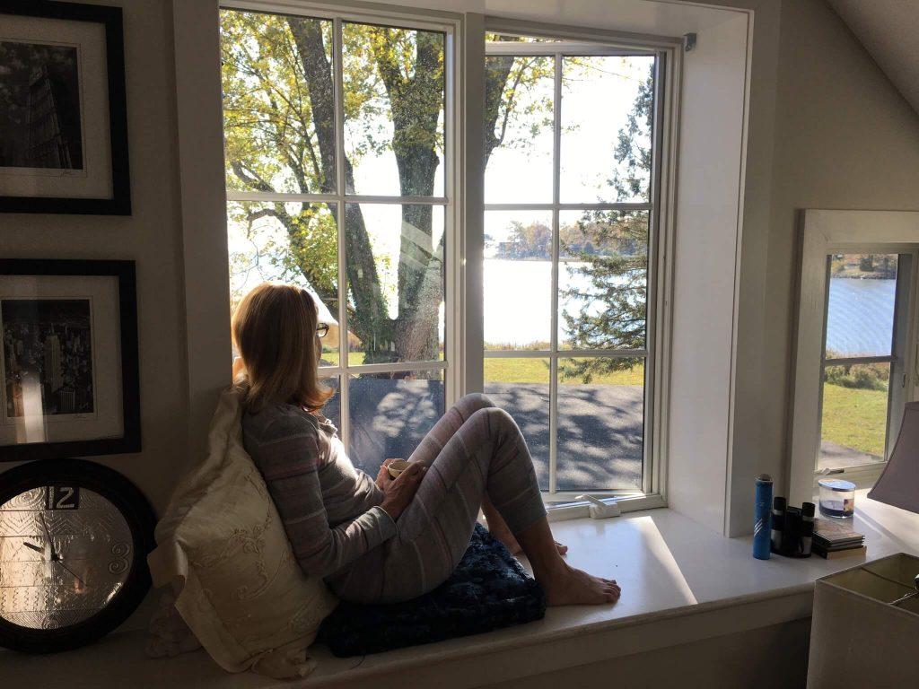 waterfront flat bay window